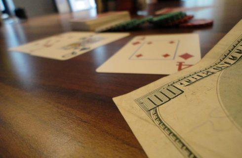 Как играть в покер в интернете на деньги