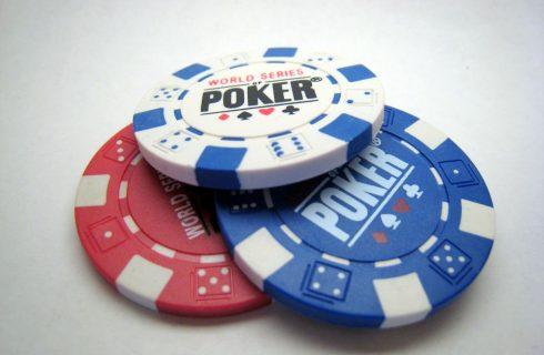 Где играть в покер без регистрации с реальными людьми
