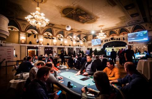 Турнирный покер для продвинутых игроков