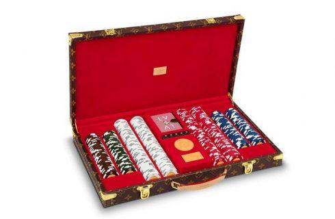 Компания Louis Vuitton выпустила чемодан с игральными фишками для настоящих любителей игры в покер